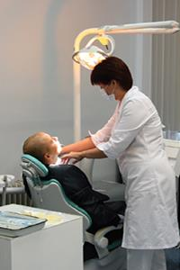 Dental therapist
